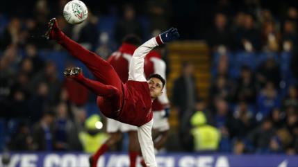 Sánchez se convierte en jugador mejor pagado de Premier League