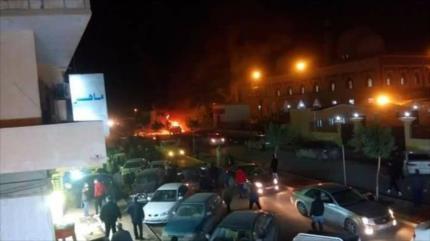 Explosión de dos coches bomba en Bengasi deja 32 muertos