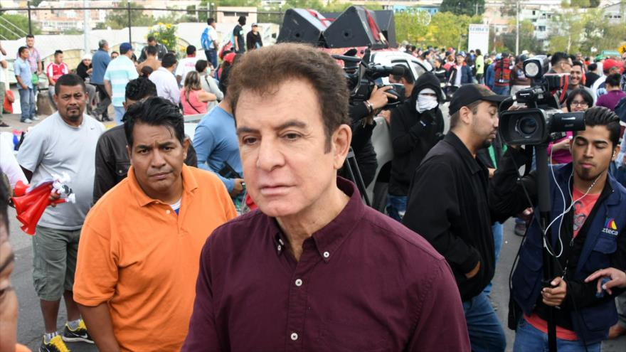 """Nasralla llama """"pandilleros"""" y """"vagos"""" a diputados hondureños"""