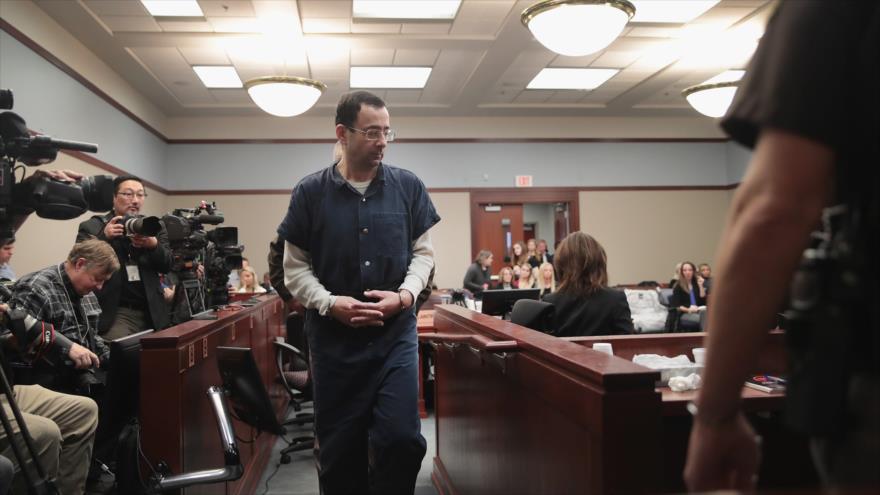 Ex médico del equipo de gimnastas olímpicas de EE.UU. Lawrence Larry Nassar, en el tribunal norteamericana de Lansing, Michigan, 17 de enero de 2018.