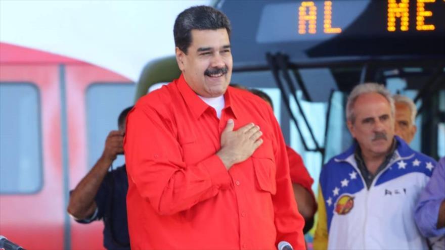 Maduro afirma postularse para presidenciales y empieza su campaña