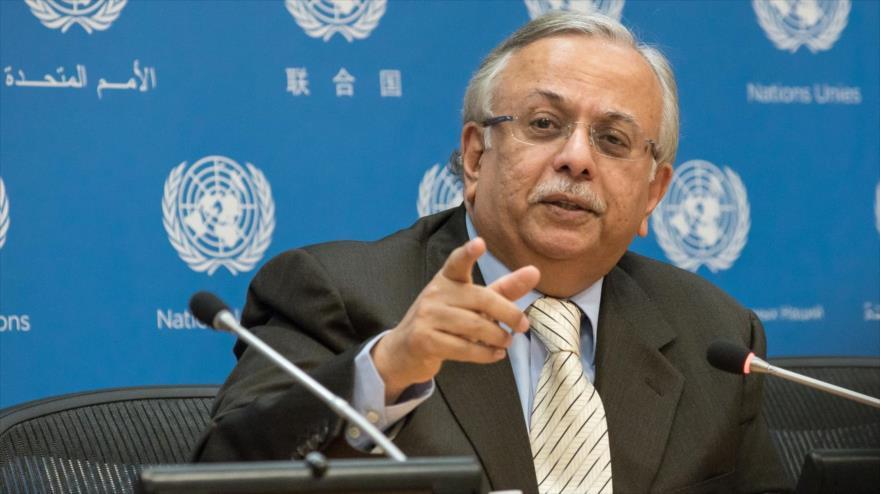 El representante permanente de Arabia Saudí ante las Naciones Unidas, Abdolá al-Mouallimi, en una rueda de prensa en la sede de la ONU.