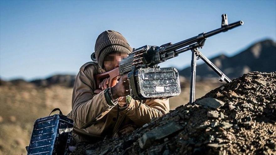 Un miembro de la Fuerza Terrestre del Cuerpo de Guardianes de la Revolución Islámica de Irán (CGRI).