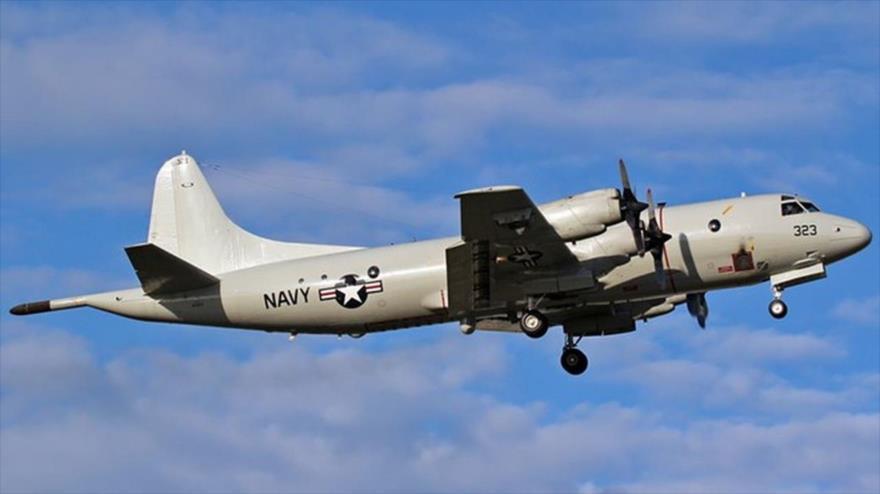 Avión ruso pasa volando a 1.5 metros de avión de EUA