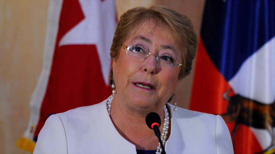 Bachelet califica de 'grave' la disputa institucional sobre mapuches