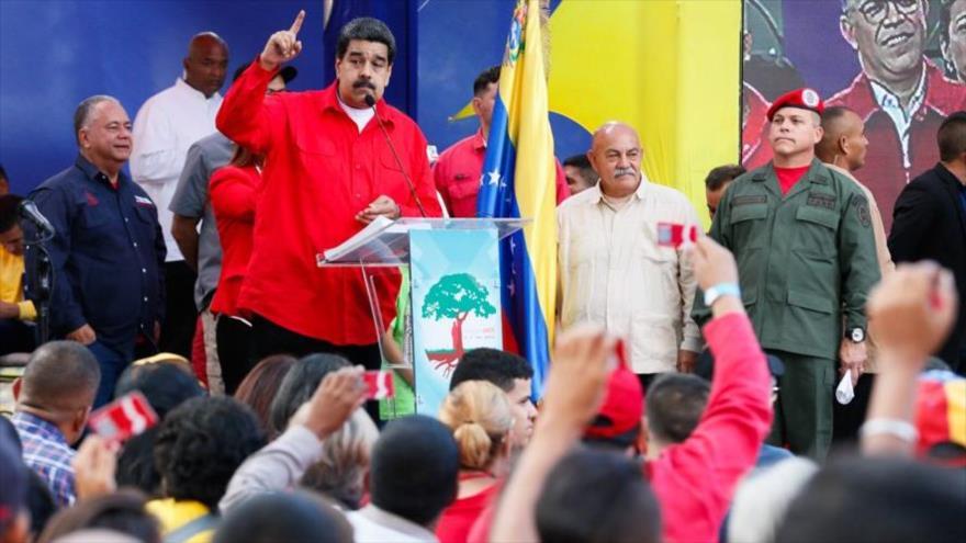 Maduro alerta: EEUU intenta organizar un golpe de Estado