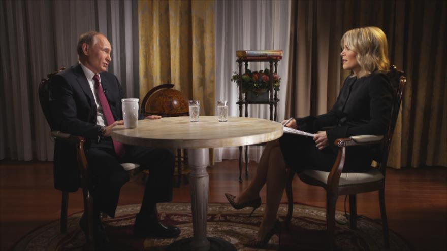 Putin ironiza jactándose de la supuesta injerencia rusa en EEUU