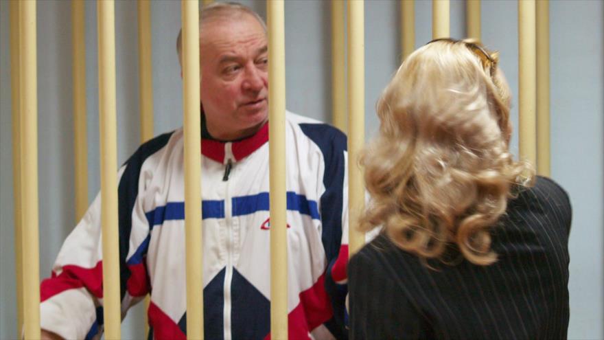 El exespía ruso Serguéi Skripal asiste a una audiencia en Moscú, 9 de agosto de 2006.