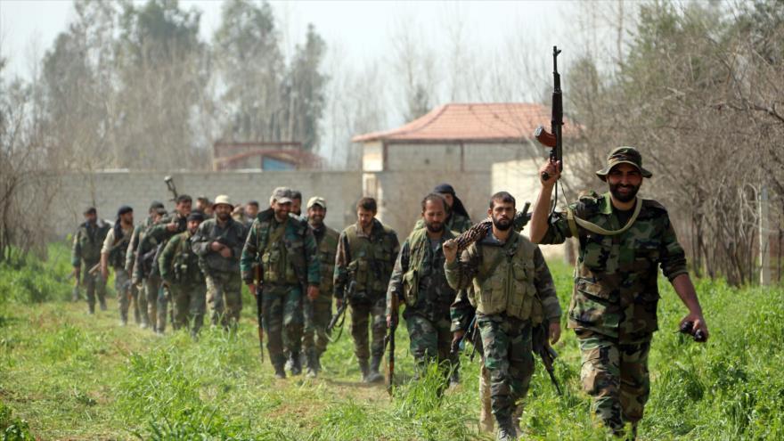 Fuerzas siria se dirigen hacia Guta Oriental, al este de Damasco (capital de Siria), 10 de marzo de 2018.