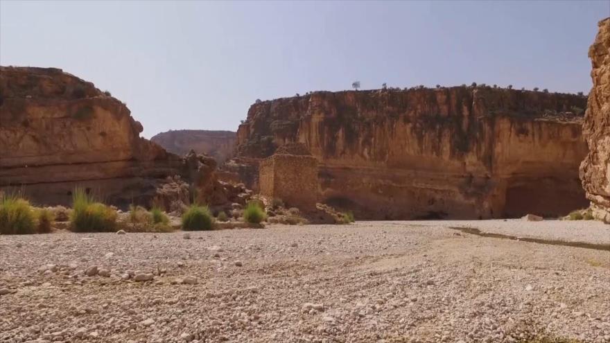 Irán: 1. La ciudad de Darabguerd en Fars 2. La región de Parvar en Semnan