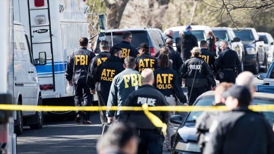 Agentes de seguridad acuden al lugar de la explosión en Austin Texas