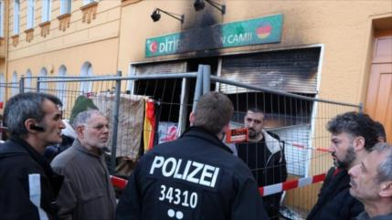 Atacan en Alemania sedes oficiales turcas por ofensiva en Siria