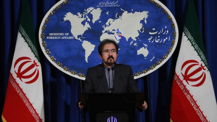 El portavoz de la Cancillería de Irán, Bahram Qasemi, habla con los periodistas en una sesión informativa en Teherán, 14 de marzo de 2018.