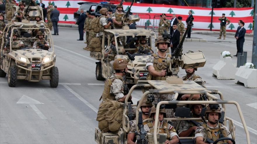 Soldados libaneses participan en un desfile militar para celebrar el 74º aniversario de la independencia del país en Beirut, 22 de noviembre de 2017.