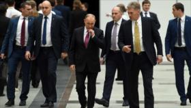 """Moscú tacha de """"imperdonables"""" palabras de Johnson sobre Putin"""