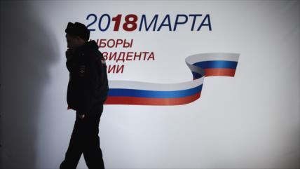 Empiezan a abrir centros electorales para presidenciales de Rusia