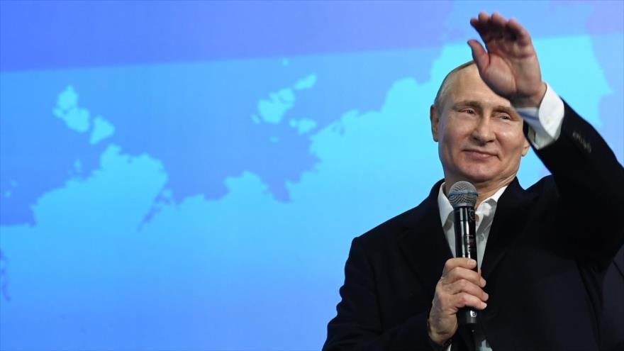 Putin gana las presidenciales y alaba la confianza del pueblo ruso