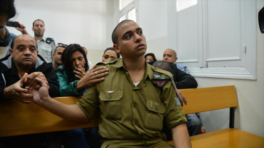 El soldado israelí Elor Azaria llega a una corte militar, 14 de abril de 2016.