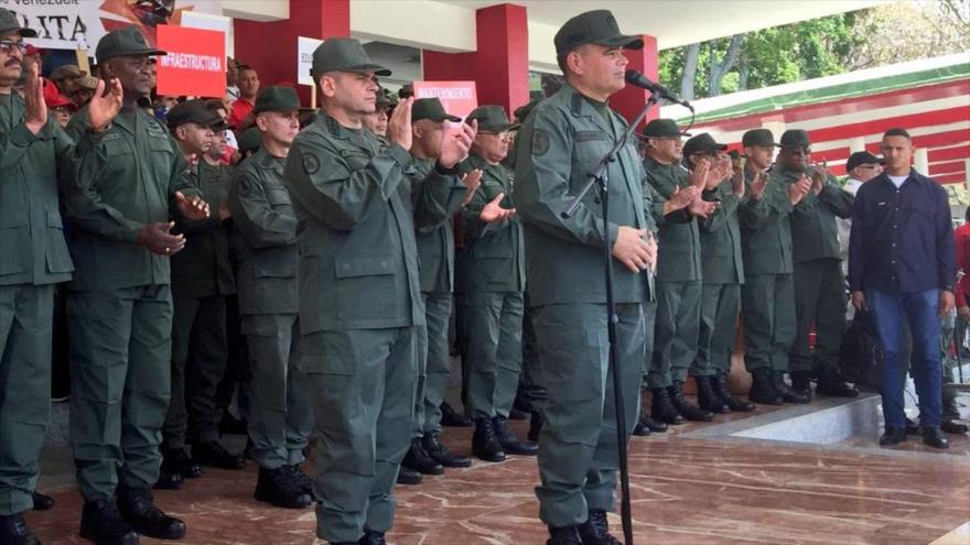 El ministro venezolano del Poder Popular para la Defensa, Vladimir Padrino López (dcha.), Caracas, 19 de marzo de 2018.
