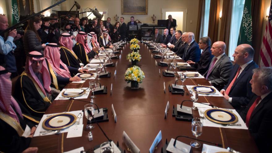 Bin Salman reafirma su postura antiiraní ante senadores de EEUU