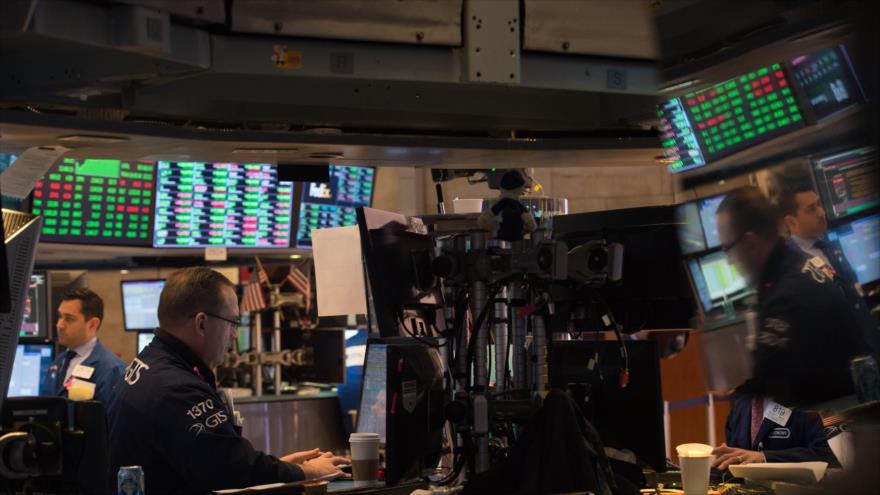 BMV avanza; Wall Street cae por tensión entre China y EU