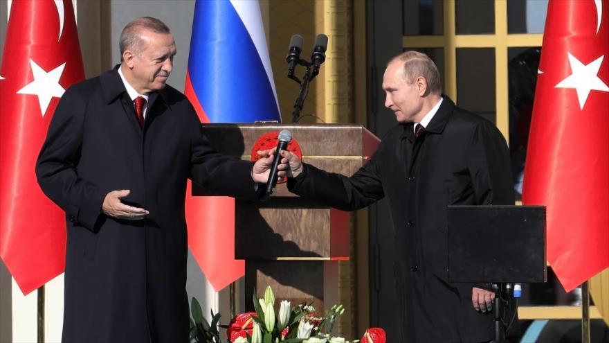 El presidente de Turquía, Recep Tayyip Erdogan, se reúne con su homólogo ruso, Vladimir Putin, en Ankara, 3 de abril de 2018.