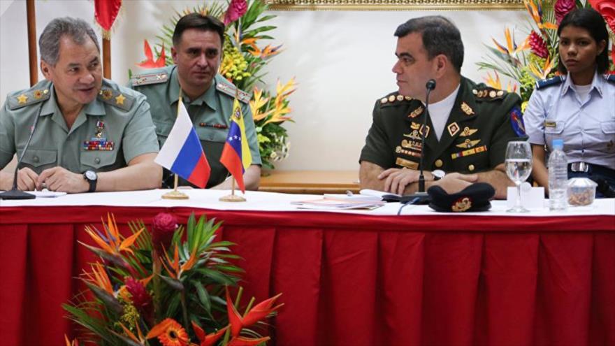Venezuela propone a Rusia intercambio militar operacional