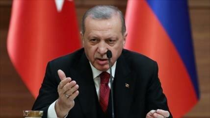 Erdogan: seguiremos atacando Siria hasta sacar a kurdos de Manbiy