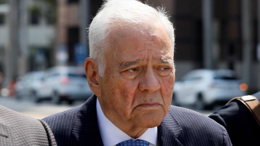 El expresidente boliviano Gonzalo Sánchez de Lozada es conducido a un tribunal federal en Fort Lauderdale, Florida (EE.UU.), 20 de marzo de 2018.