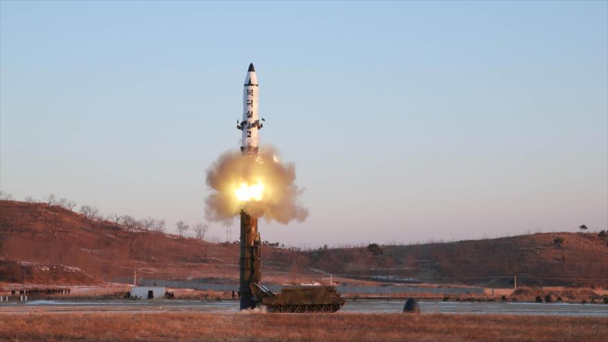 Lanzamiento del misil norcoreano Pukguksong-2, 13 de febrero de 2017.