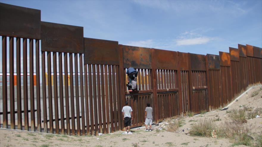 Senador de EEUU critica la decisión de Trump sobre México