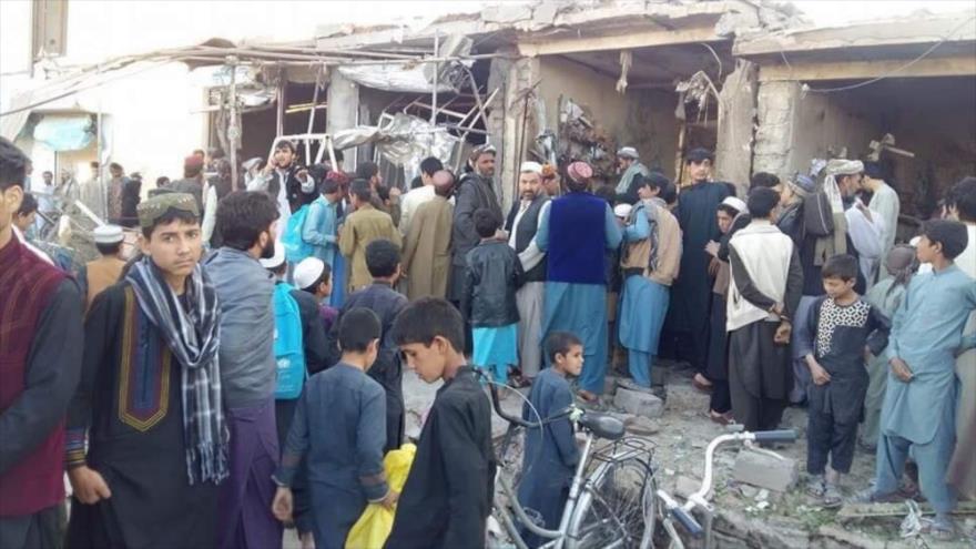Escenario de una explosión registrada cerca de una mezquita en la provincia afgana de Herat, 9 de abril de 2018.