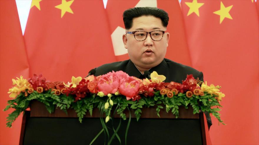 Decidido a calmar la tensión, Kim aborda lazos con Seúl y EEUU
