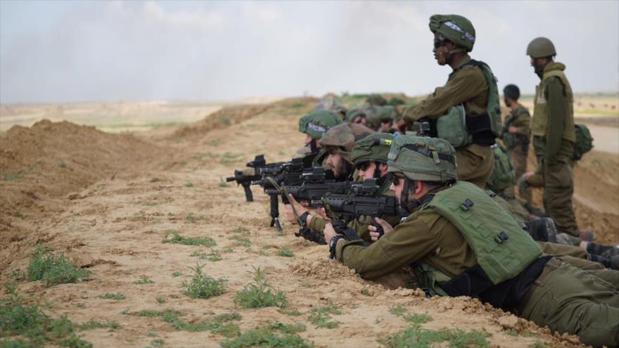 Fuerzas israelíes desplegadas cerca de la asediada Franja de Gaza, 30 de marzo de 2018.