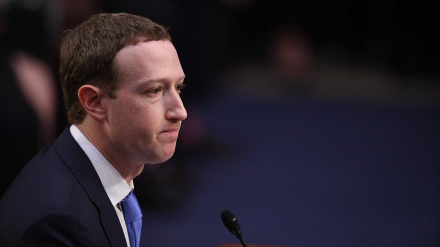 Zuckerberg entona el 'mea culpa' por fuga de datos en Facebook