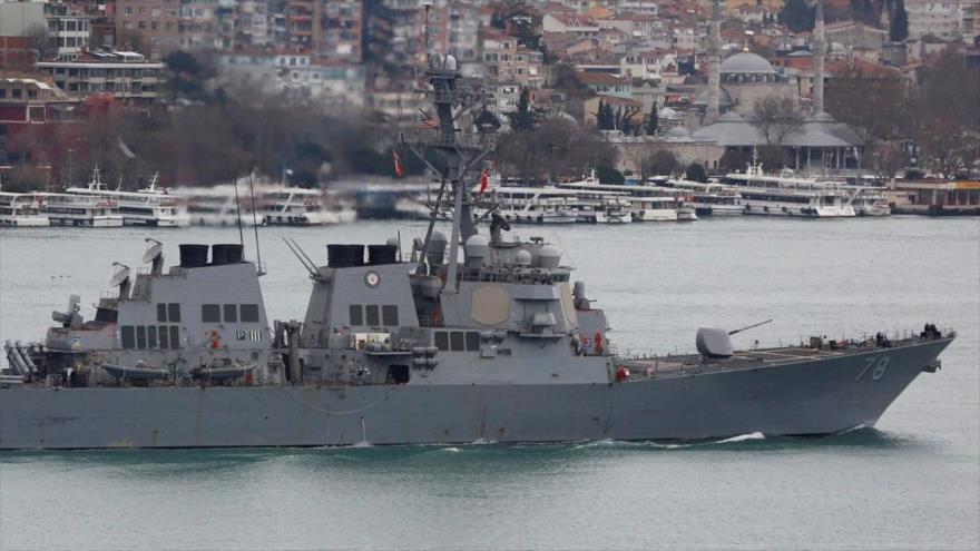 Foto: buques rusos abandonan base siria de Tartus 'ante ataque de EEUU'