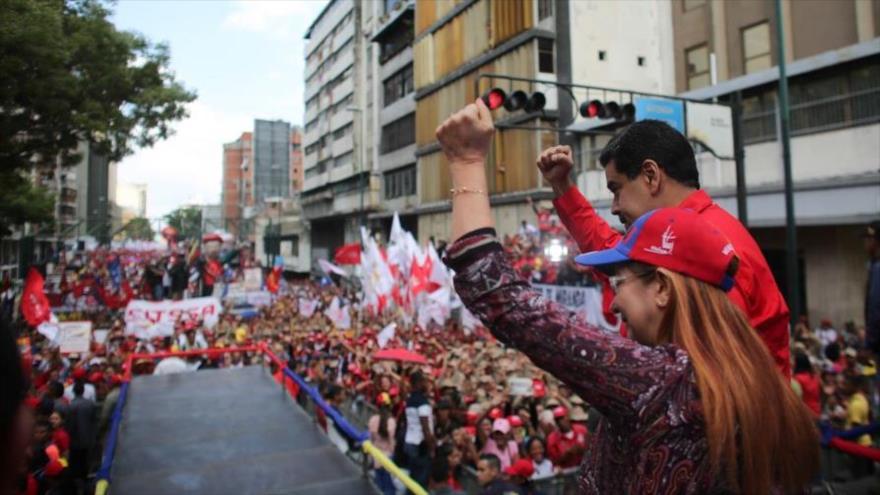 """Maduro tacha de """"criminal"""" ataque de EEUU contra Siria"""