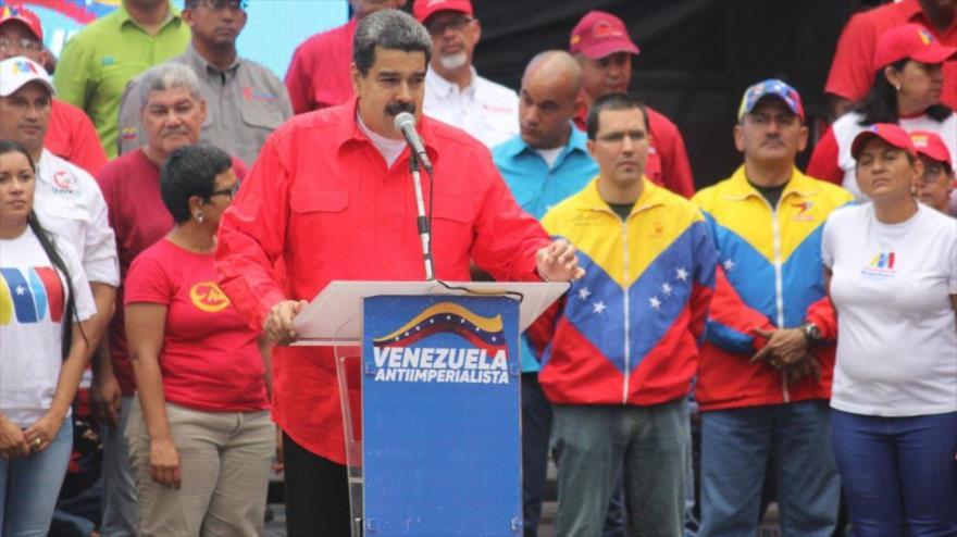 Maduro denuncia complots internacionales para sabotear elecciones