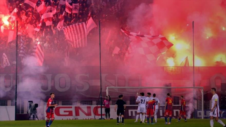 Vídeo: Partido de fútbol termina en una batalla campal en Rumanía