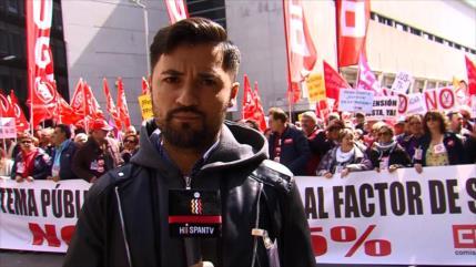 Miles de jubilados toman calles de España por pensiones dignas