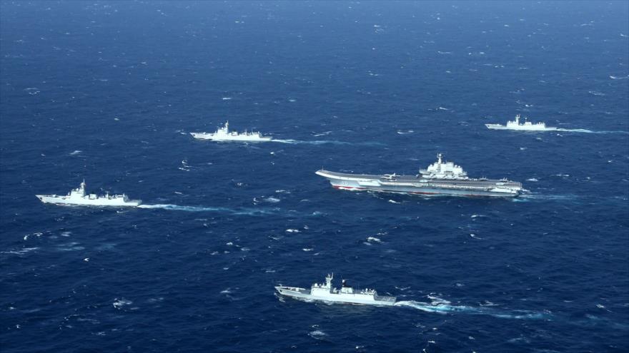 La Armada china lleva a cabo unos simulacros militares en el mar del Sur de China, 2 de enero de 2017.