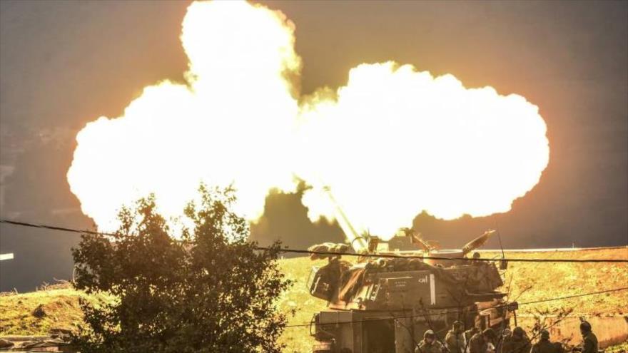 Una unidad de artillería israelí abre fuego.