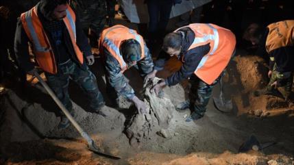 Ejército sirio descubre una fosa común en Duma con 112 cuerpos