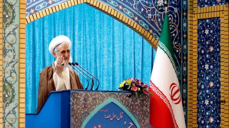 Clérigo iraní: EEUU reveló al mundo su cara salvaje al atacar a Siria