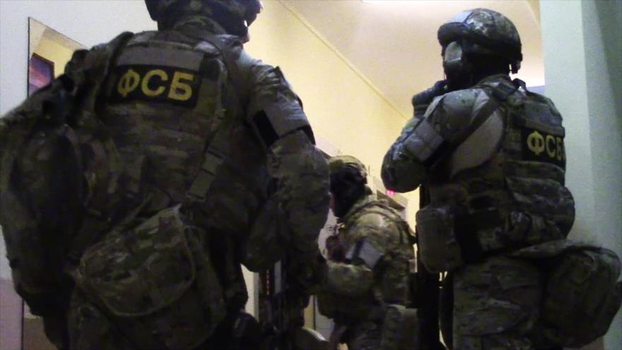 Imagen de agentes de asalto antiterroristas difundidas por medios de prensa rusos en relación con una operación en Daguestán, 21 de abril de 2018.