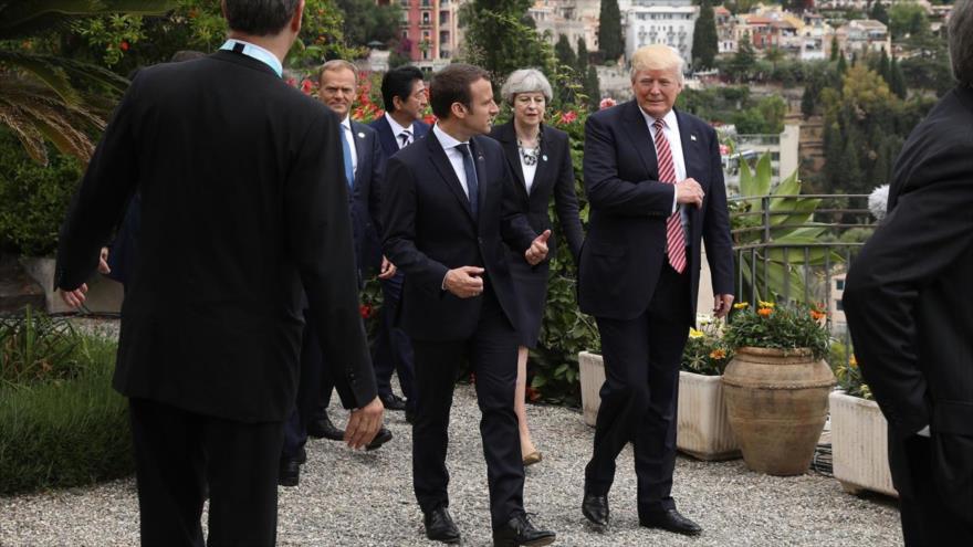 Macron les pide a EEUU y aliados quedarse para crear 'una nueva Siria'