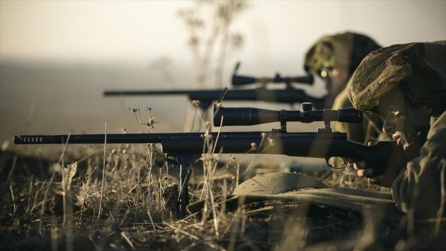 Francotiradores israelíes en unas maniobras militares.