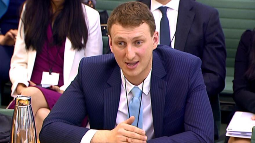 Escándalo de Cambridge Analytica llega al Parlamento británico