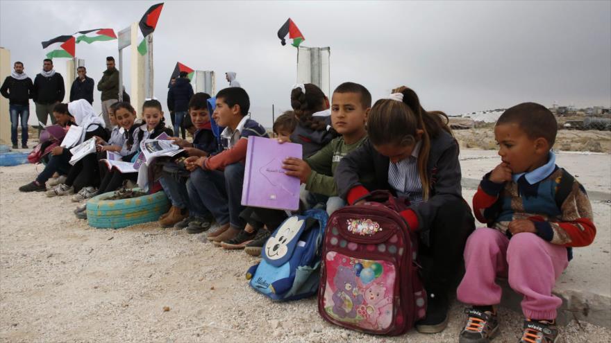 HRW acusa a Israel de 'crimen de guerra' por demoler escuelas palestinas