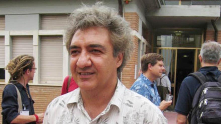 El ciudadano británico-iraní, Abás Edalat, es el profesor de ciencias informáticas y matemáticas en el Imperial College de Londres.